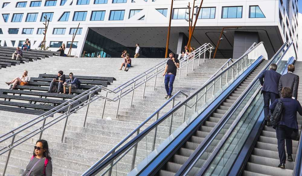 The stairs to Utrecht Central Station, coming from Jaarbeursplein